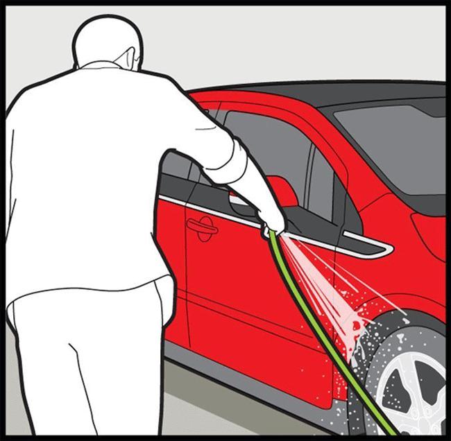 detailing step 4 photo 521526 s original - با رعایت این نکات به خوبی از بدنه خودرو خود نگهداری کنید